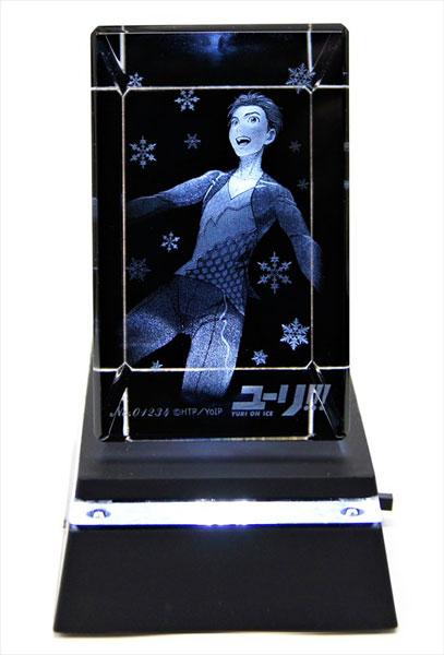 あみあみ新着!ユーリ!!! on ICE 3Dクリスタルアート 勝生勇利 台座付き 新作グッズ予約情報